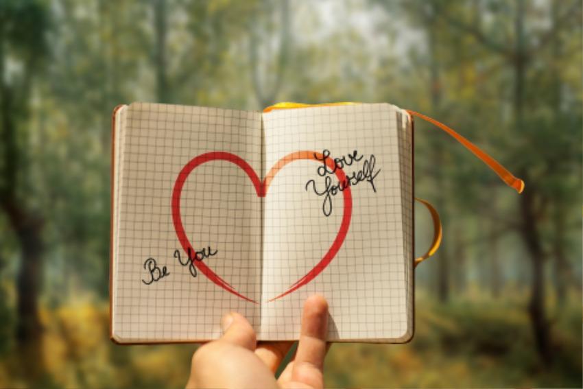 self-love-3969644_1920.jpg