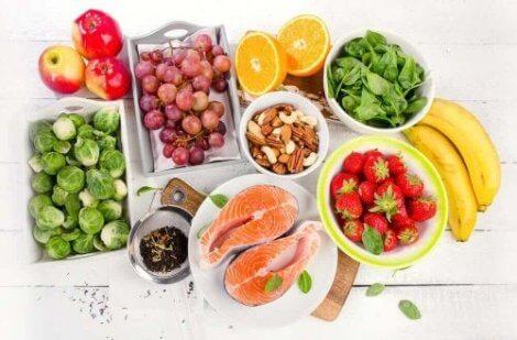 healthy-foods-e1565376770357-470x309.jpg